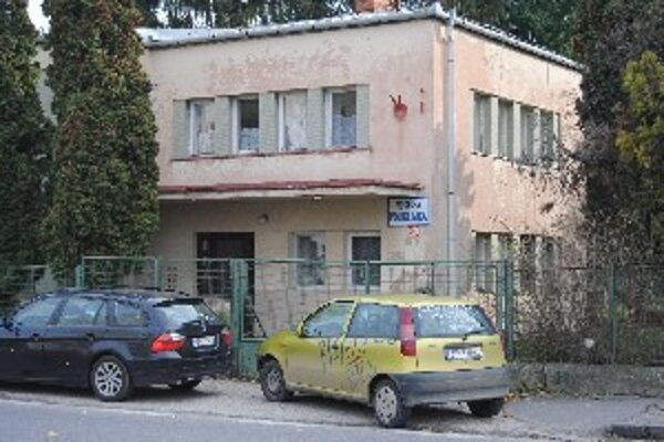 V predanej budove má byť v budúcnosti stomatologické centrum.