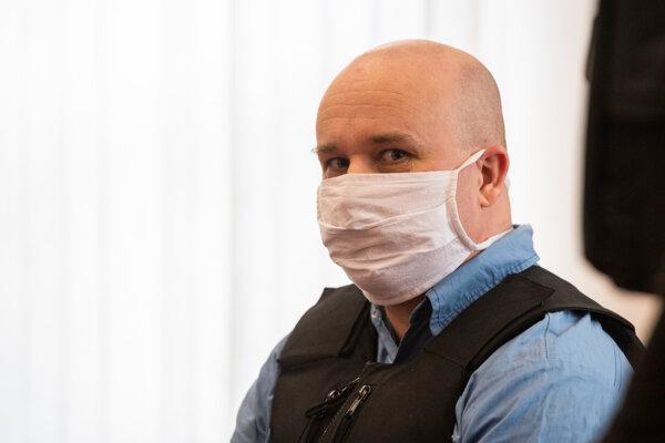 Zoltán Andruskó na súde v prípade vraždy Jána Kuciaka. Na pojednávania v daňovej kauze nechodí, konajú sa v jeho neprítomnosti.