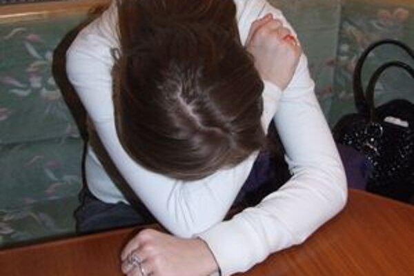 Mária povedala novinárom, že si týranie vymyslela. Bola nahnevaná na otca, ktorý od nej chcel, aby sa učila.