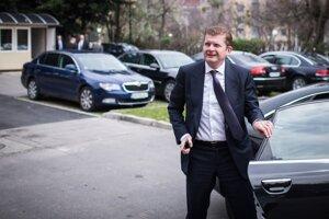 Príbuzný bývalého ministra hospodárstva Petra Žigu je vo väzbe.