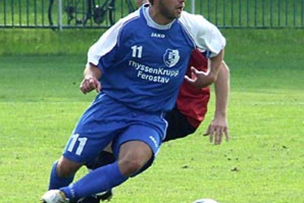 Šamorín dal trnavskému béčku sedem gólov. V popredí dvojnásobný strelec Szöllös.