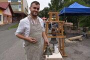Jakub Vorobeľ sa venuje nevšednému remeslu. Je zvonolejár.