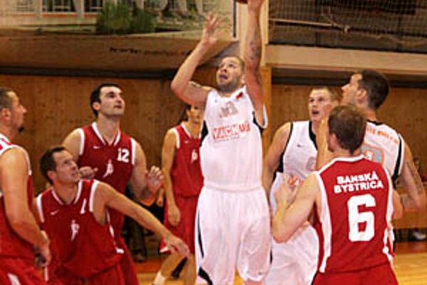 Zakončuje nový muž Pavel Bosák, spolu s Tomekom bol najlepším strelcom.