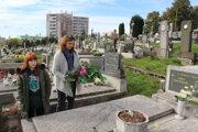 Za posledné štyri rokov má tvorba odpadu z trenčianskych cintorínov klesajúci trend.