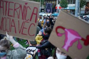 Pochod za reprodukčnú spravodlivosť iniciatívy Nebudeme ticho v Bratislave.