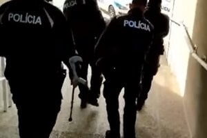 Zásah polície v Prievidzi. Reprofoto.