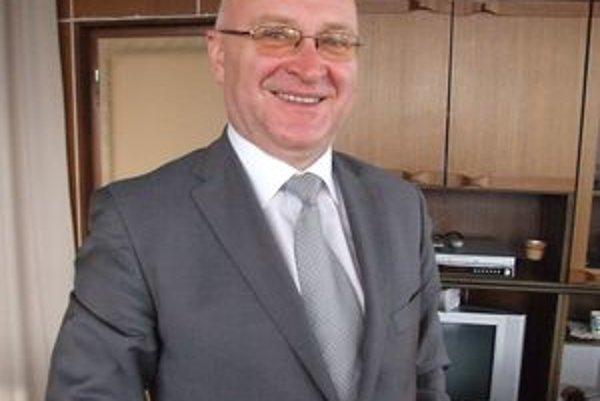 Tibor Tóth, súčasný primátor vo Vrábľoch. Vo voľbách ho podporí minimálne SDKÚ.
