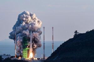 Štart prvej juhokórejskej nosnej rakety Nuri.