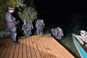 Záchranné zložky dnes skončili pátraciu akciu po 61-ročnom policajtovi a potápačovi na štrkovisku Čierna Voda v okrese Galanta.