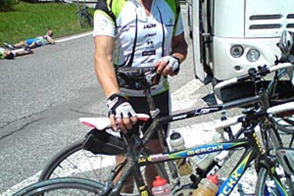 Nitran Michal Brat bol najstarším z 250 cyklistov, ktorí prešli trať z Bratislavy do Jasnej.