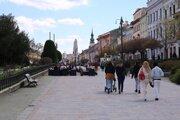 Vďaka vysokej zaočkovanosti ľudí nad 50 rokov môžu byť naďalej v Prešovskom okrese otvorené terasy reštaurácií.