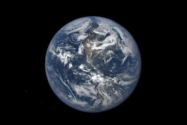 Zem sa pred miliónmi rokov prevrátila na bok