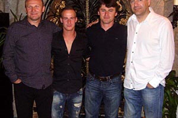 Na nitrianskej oslave Stochovho titulu mal Miňo elitných gratulantov. Nechýbali ani jeho manažér Milan Lednický, Ľuboš Moravčík a reprezentačný tréner Vladimír Weiss.
