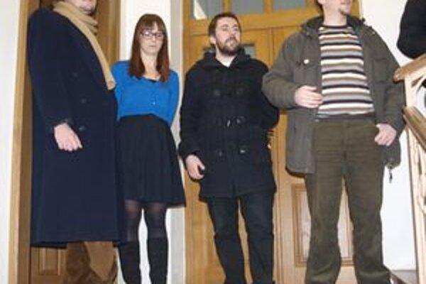 Autori (zľava) Milan Kupča, Katarína Beličková, Štefan Nosko a kurátor výstavy Omar Mirza.