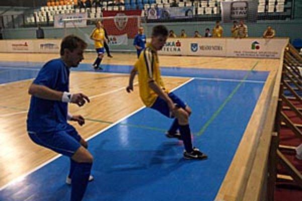 Turnaj pokračuje v nedeľu druhým hracím dňom.