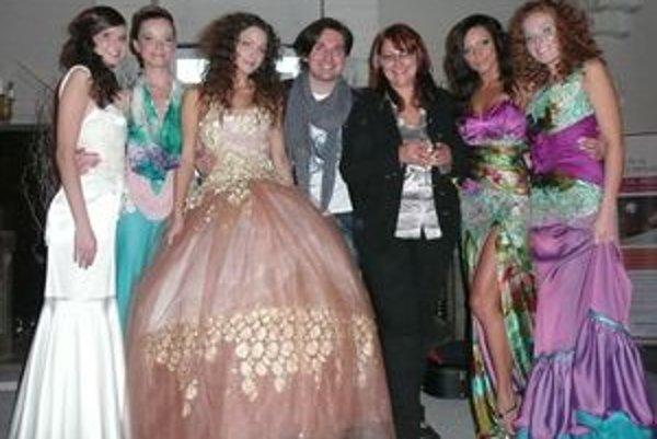 Na benefičnom koncerte sa módnou šou predstavil aj nitriansky návrhár Róbert Bartolen.