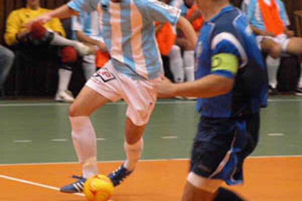 Futsalisti ŠFsK po dvoch dvojciferných prehrách dosiahli pomerne čestný výsledok.