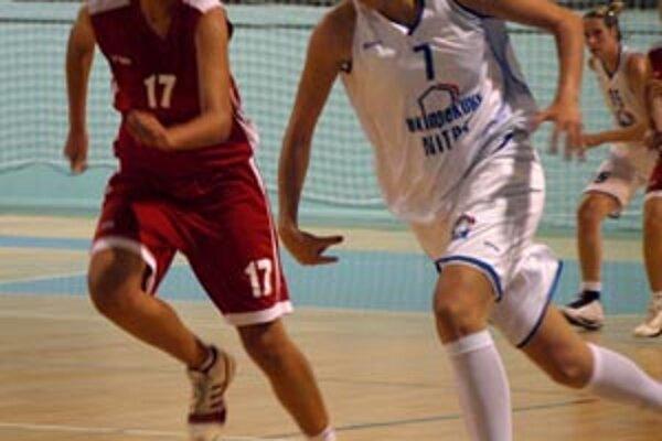 Pivotka Anna Hnidzíková bola vo štvrtok najlepšou strelkyňou Nitry.