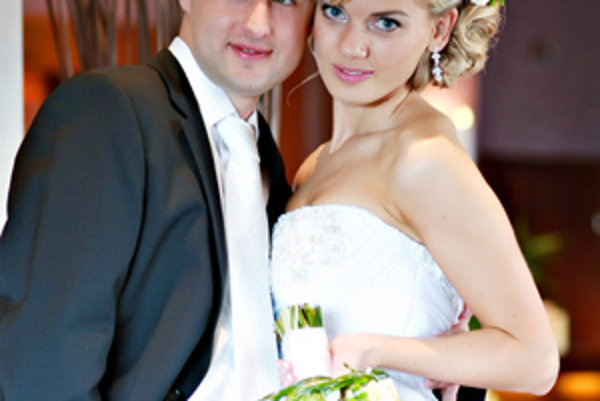 Mladoženáč Vladimír Vnuk so svojou Peťkou.