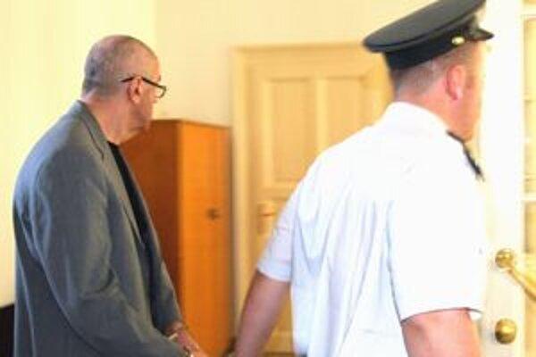 Okresný súd prednostu opäť odsúdil aj za sexuálne násilie. Rozsudok nie je orávoplatný, odvolal sa.