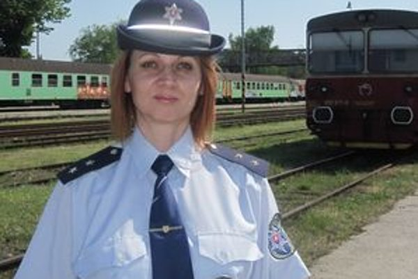 Železničnej polícii v Nitre šéfuje Beáta Šándriková.
