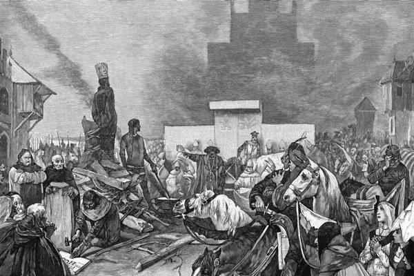 """Jana Husa upálili 6. júla 1415. Jeho posledné slová na hranici mali byť: """"A na této pravdě evangelia, již jsem psal, učil a kázal na základě výroků a výkladů svatých otců, chci dnes vesele zemříti."""" Na obrázku je rytina Alfonsa Muchu."""
