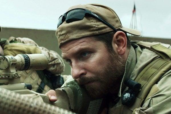 Americký ostreľovač (2014) je práve v našich kinách.