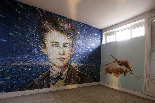 O tom, že francúzsky básnik a dobrodruh Jean Arthur Rimbaud je ikonou aj pre dnešnú mladú generáciu, svedčí aj tento grafit z vlaňajšej výstavy v Paríži.