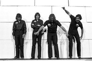 Prvý singel zalbumu The Wall vyšiel 23. novembra 1979.