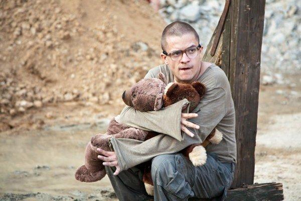Jiří Mádl v novom filme Všiváci.