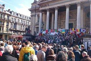 Bruselčania si uctili obete teroristických útokov.