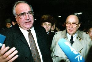 Helmut Kohl (vľavo).