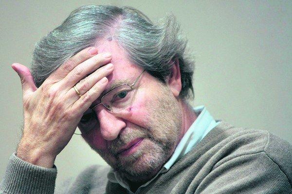 Martin Porubjak (18. 5. 1944 Bratislava), dramaturg a režisér, vyštudoval VŠMU, kde je dnes profesorom. V roku 1968 spoluzakladal Divadlo na Korze, po roku 1971 niekoľko rokov nesmel pôsobiť v divadlách. V roku 1989 spoluzakladal VPN, v rokoch 1991 až 199