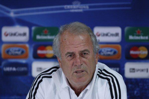 Denizli má za úlohu nasmerovať Galatasaray znova na víťaznú cestu.