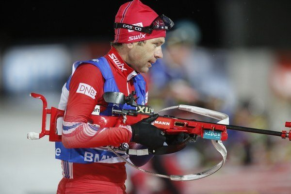 Ole Einar Björndalen predviedol v Östersunde najmä na strelnici suverénny výkon.