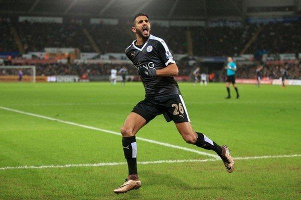 Riyad Mahrez podáva v drese Leicesteru City výborné výkony.