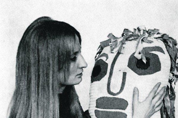 Mira Haberernová s mäkkou plastikou, 1969.