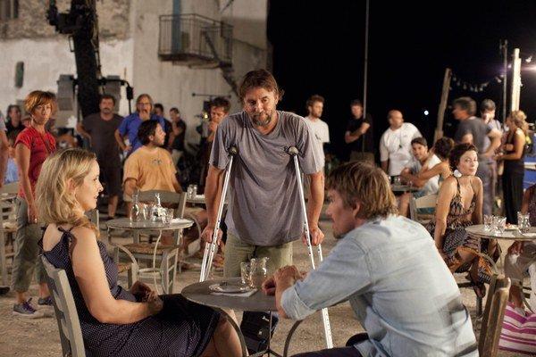 Richard Linklater (53), americký režisér. Začiatkom  90. rokov patril k vlne mladých nezávislých  filmárov, jeho film Slacker bol hitom v Sundance. Jadro jeho kariéry tvorí  trojdielna romanca, jej scenáre píše s Ethanom Hawkom a Julie Delpy. Za d