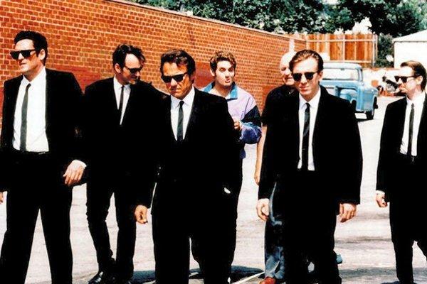 Gauneri (1992). Žiadni bežní zločinci, toto sú páni v oblekoch hrdí na svoju profesionalitu.