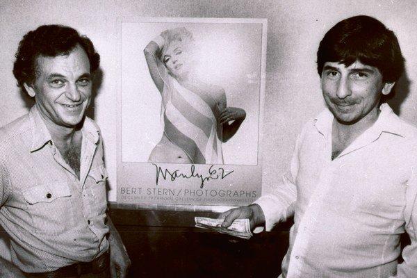 Stern (vľavo) a jeho nahá Marilyn.