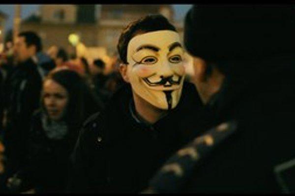 Neúspešní absolventi a pouličné protesty? Vo filme Tomáša Krupu to nie je práve presvedčivé spojenie.