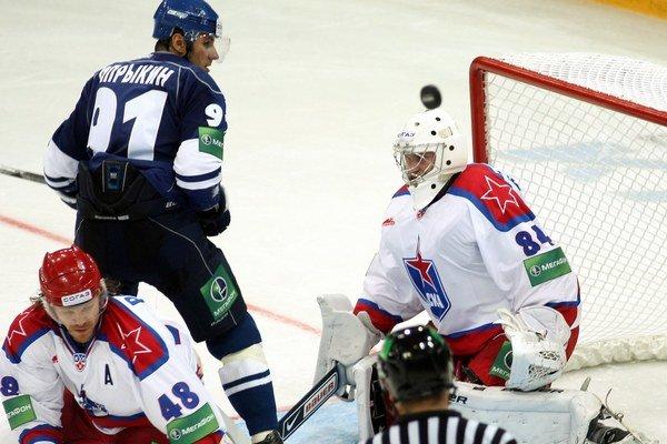 Hokejisti CSKA Moskva v tomto kole bodovali naplno.