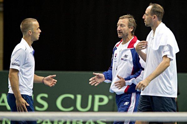 Andrej Martin (vľavo) spolu s Igorom Zelenayom nezaskočili favorizované deblovú dvojicu z Poľska.