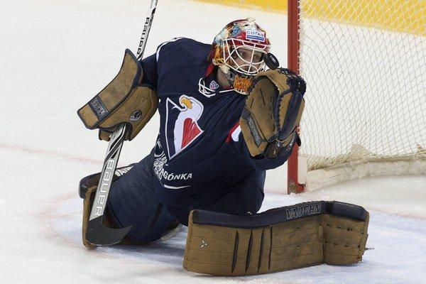 Do zahraničia Slovan odletel s dvoma kanadskými brankármi. V doteraz poslednom súboji proti Dinamu Riga dostal prednosť Barry Brust.