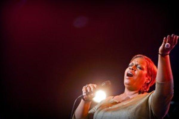 Dianne Reeves vyvolala zimomriavky každým tónom.