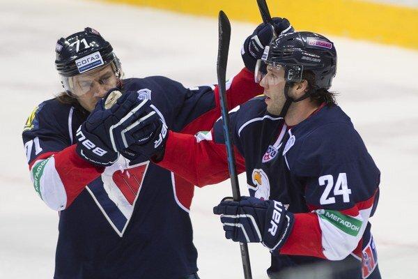 V Rusku zatiaľ účasť hokejistov Slovana v KHL nikto nespochybňuje.