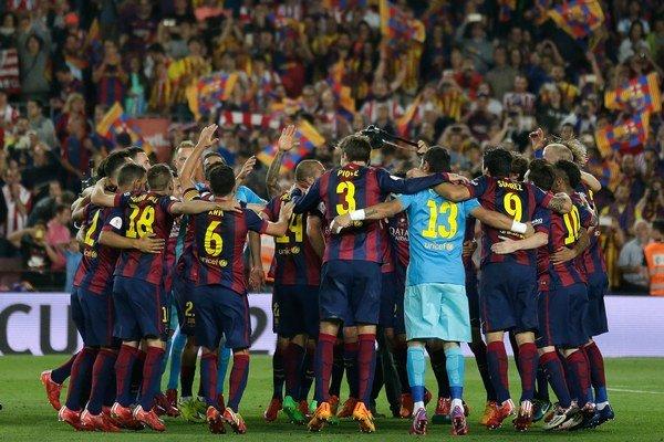 Barcelončania získali v poradí druhú trofej v práve končiacej sezóne.