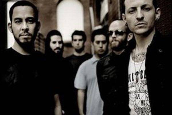 Linkin Park prenasleduje úspešná minulosť.