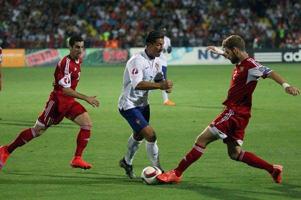 Cristiano Ronaldo (v strede) v drese Portugalska v súboji proti Arménsku žiaril.