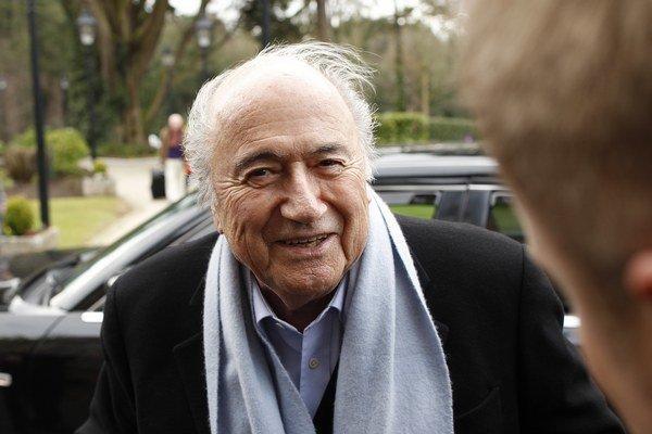 Sepp Blatter môže vraj pokojne spávať. Tvrdí, že korupcia sa ho netýka.
